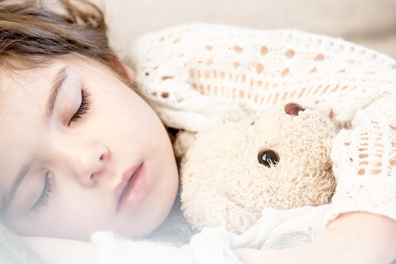laten huilen bij slaapproblemen schadelijk en slecht